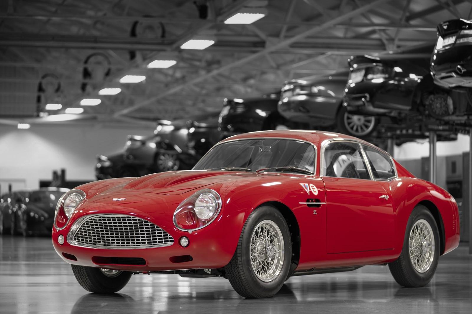 Aston_Martin_DB4_GT_Zagato_Continuation_1_1