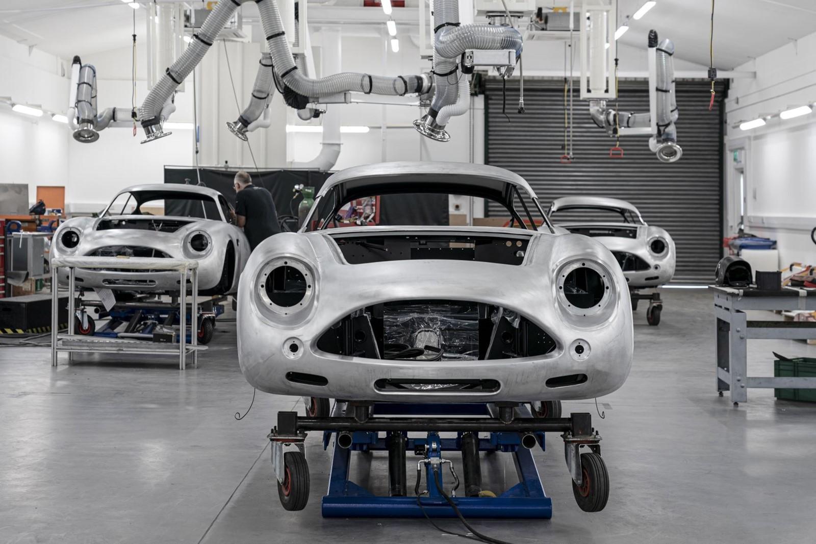 Aston_Martin_DB4GT_Zagato_BuildNewport_Pagnell01-jpg